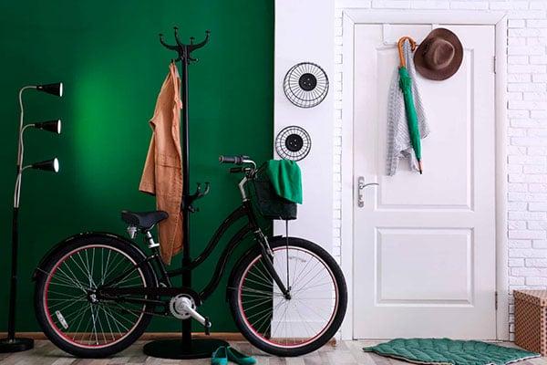 Cómo guardar bicicletas en poco espacio